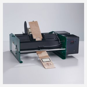 Labeling machine for bags